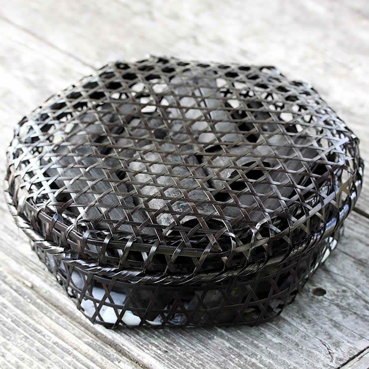 【国産・日本製】黒編み六ツ目竹炭かご(平)サイズ大